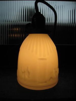 1930's駱駝柄ミルクペンダントライト 写真1枚目 アンティーク照明 ビンテージ ランプ
