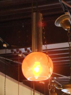 オレンジペンダント 2枚目の写真 アンティーク照明 ランプ 福岡