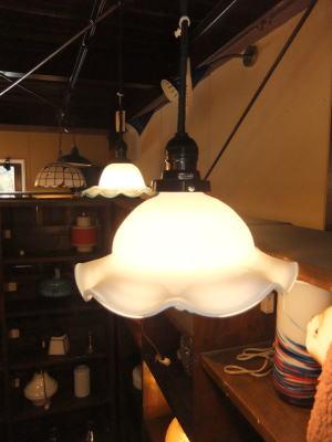 ミルクチューリップペンダント 6枚目の写真 アンティーク照明 ランプ 福岡