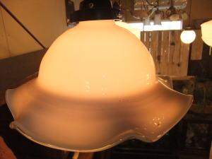 ミルクチューリップペンダント 3枚目の写真 アンティーク照明 ランプ 福岡
