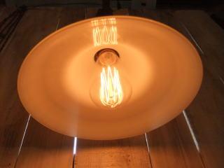ミルクガラスペンダントライト 写真6枚目 アンティーク照明 ビンテージ ランプ