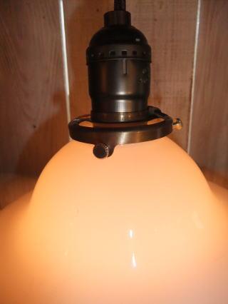 ミルクガラスペンダントライト 写真2枚目 アンティーク照明 ビンテージ ランプ
