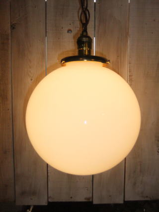1950'sミルクボールペンダントライト 写真1枚目 アンティーク照明 ビンテージ ランプ