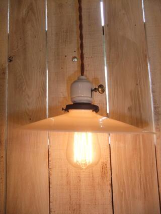 米国製1900sアンティーク照明 ビンテージペンダントライト ミルクシェード シーリング ランプ 福岡 写真2枚目