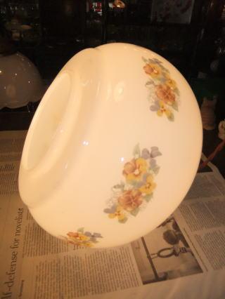 花柄ミルクペンダントライト 4枚目の写真 アンティーク照明 ランプ 福岡