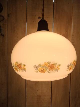 花柄ミルクペンダントライト 1枚目の写真 アンティーク照明 ランプ 福岡