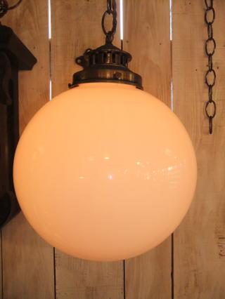 ミルクボールペンダントライト 4枚目の写真 アンティーク照明 ランプ 福岡