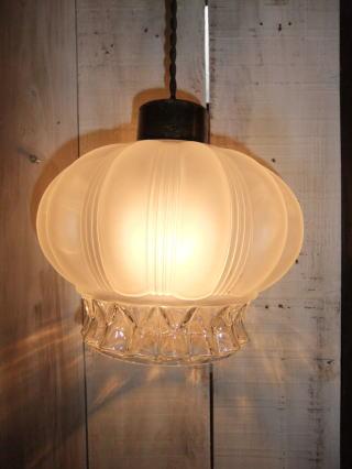 ロマンチック擦りガラスペンダントライト 5枚目の写真 アンティーク照明 ランプ 福岡