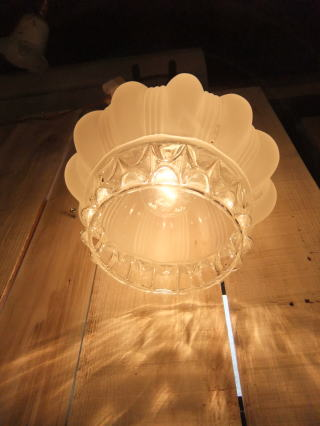 ロマンチック擦りガラスペンダントライト 3枚目の写真 アンティーク照明 ランプ 福岡