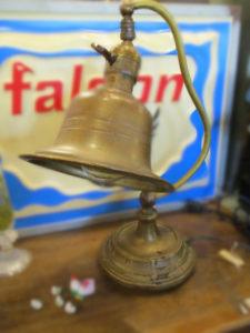 ベル型ランプ